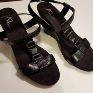 AEROSOLES Shoes - Aerosoles Black Wedge Shoes Size 11